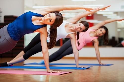 Nghiên cứu cho thấy rằng hoạt động thể chất vừa phải giúp kiểm soát tình trạng căng thẳng và lo lắng.