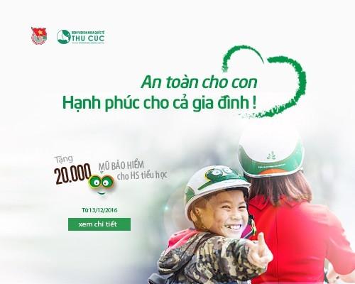 Đội mũ bảo hiểm đạt chuẩn để bảo vệ sức khỏe con trẻ