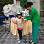 Từ ngày 14/12 bắt đầu phát mũ bảo hiểm cho học sinh tiểu học tại Bệnh viện Thu Cúc