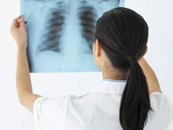 Bạn nên đến cơ sở chuyên khoa để thăm khám khi nghi ngờ xơ phổi