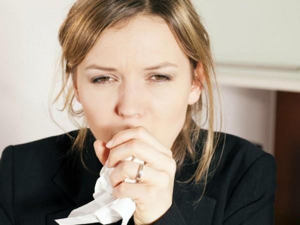 Nếu ho trên 3 tuần và xác định không phải do viêm phổi, viêm phế quản,... bạn cần nghĩ ngay đến bệnh lao phổi