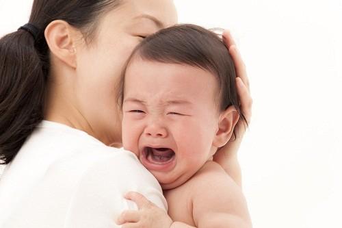 Làm gì khi bé bị viêm phế quản là thắc mắc của nhiều bậc cha mẹ khi con em mình mắc bệnh