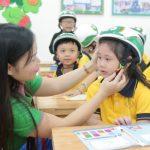 Ngày 14/12: Bệnh viện Thu Cúc tặng mũ bảo hiểm tại 4 trường tiểu học tại Hà Nội