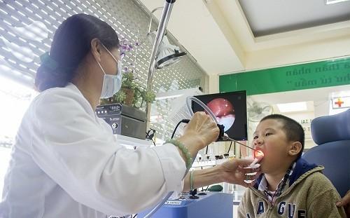 Khám tai mũi họng định kỳ thường xuyên ngăn ngừa biến chứng nguy hiểm