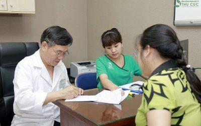Ts Bs LimHongliang trực tiếp khám,tư vấn cho bệnh nhân ung thư tại Bệnh viện Thu Cúc