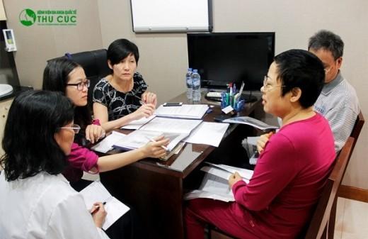 TS BS Pactricia Kho chuyên gia điều trị ung thư phổi đến bệnh viện ĐKQT Thu Cúc