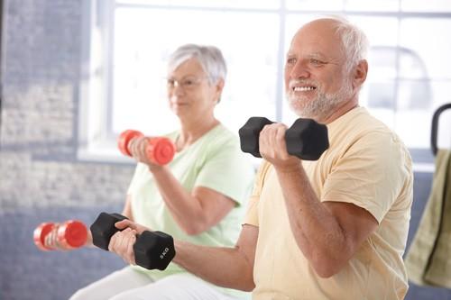 Người bệnh phổi tắc nghẽn mạn tính cần áp dụng các bài tập phù hợp nhằm lưu thông đường thở giúp hô hấp dễ dàng hơn