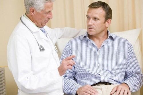Cần tham khảo ý kiến của bác sĩ về chế độ vận động hợp lý, tránh quá sức làm ảnh hưởng tới tình trạng bệnh