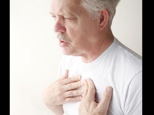 Bệnh phổi tắc nghẽn mạn tính thường gặp ở người trung niên hoặc cao tuổi