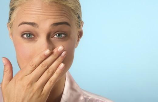 Hôi miệng là một trong những triệu chứng phổ biến của các bệnh về răng miệng.