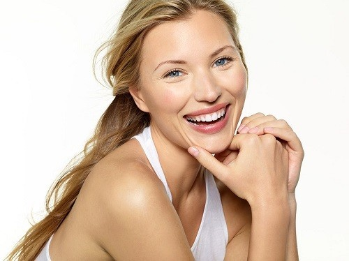 Một chế độ ăn uống lành mạnh với những loại thực phẩm giàu dưỡng chất, tốt cho làn da sẽ giúp bạn luôn trẻ trung và rạng rỡ.