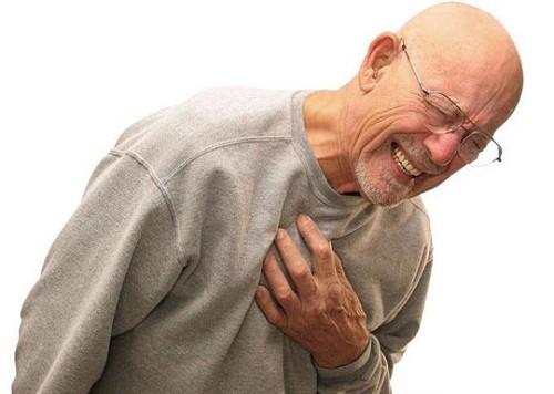 Tức ngực khó thở có thể do nhiều nguyên nhân gây ra
