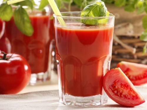 Nước ép cà chua có tác dụng giải rượu