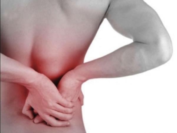 Đau lưng bên phải có thể do nhiều nguyên nhân gây ra