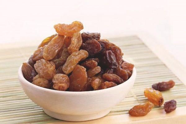 Các bác sỹ cũng đã nói rằng, trong Sô cô la, nho khô, đậu phộng có chứa thành phần arginin không tốt cho cơ thể mà còn thúc đẩy siêu vi phát triển