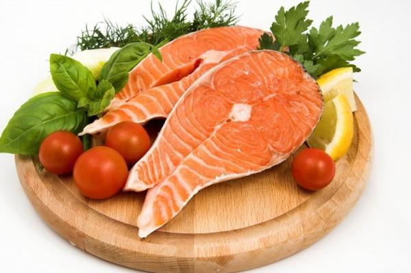 Các thực phẩm như cá, thịt đỏ,... có thể làm đờm đặc hơn và ho nhiều hơn