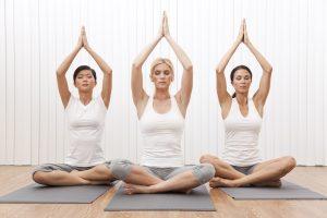Các kỹ thuật thư giãn như tập yoga, thiền... giúp làm giảm stress, góp phần kiểm soát cơn đau nửa đầu nhưng ít được người bệnh quan tâm