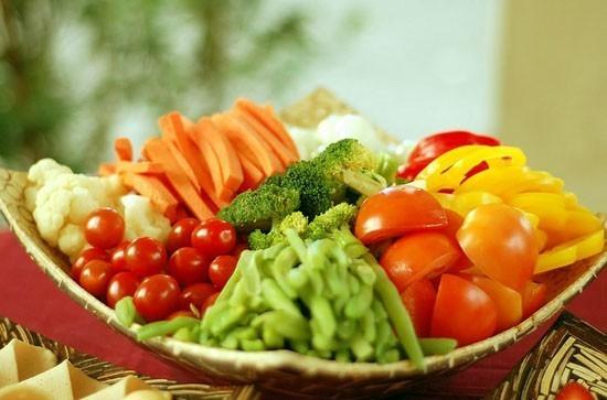 Thực phẩm giàu dinh dưỡng, giàu protein nhưng dễ tiêu hóa, thanh đạm nên chế biến thành các loại soup, cháo để dễ ăn như: gạo, các loại đậu, sữa bò, sữa đậu nành, trứng gà...