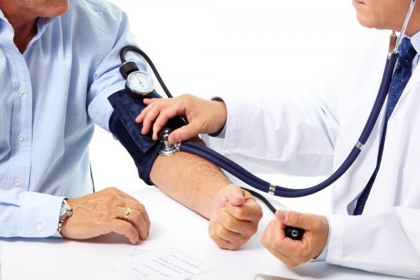 Kiểm soát huyết áp cho người bệnh suy thận độ 2