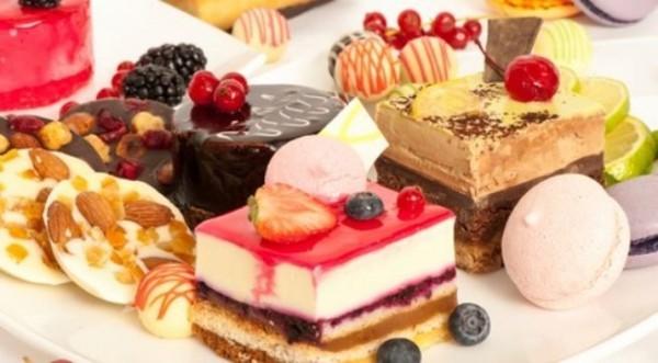 khi bị ho gà, nếu như cho trẻ ăn những thực phẩm có nhiều chất béo, ngọt sẽ khiến cho trẻ bị nhiệt làm tăng đờm
