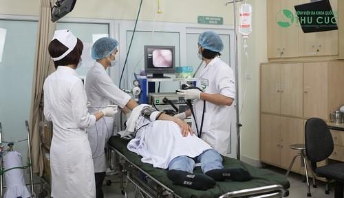 Nội soi chẩn đoán nguyên nhân đau bụng bên trái