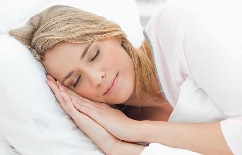 Một giấc ngủ ngon, ít nhất là 7 tiếng/đêm, là điều rất cần thiết cho sức khỏe.