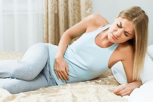 Triệu chứng đau bụng do u nang buồng trứng