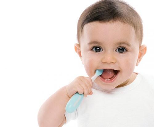 Giữ gìn vệ sinh răng miệng ngừa viêm họng