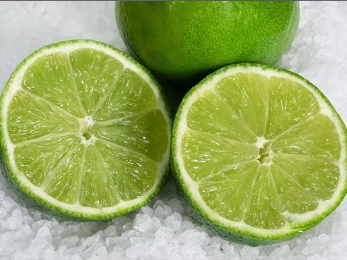 Để trị đờm, buổi tối trước khi đi ngủ bạn ngậm 1/8 trái chanh muối, nuốt từ từ đến khi hết trái chanh muối rồi ngủ, không được uống nước trong quá trình ngậm vì sẽ làm trôi miếng chanh.