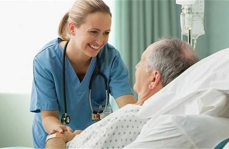 Bạn nên đến cơ sở chuyên khoa để được thăm khám và điều trị khi mắc bệnh lao