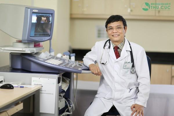 PGS.TS. Nguyễn Xuân Thành, Bệnh viện Thu Cúc – bác sĩ điều trị thành công xơ gan cổ trướng cho ông N.V.T (63 tuổi – Hải Dương) và V.Đ.P (65 tuổi – Nghệ An) trong thời gian ngắn