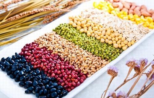 Nhiều loại ngũ cốc ăn sáng được làm ngọt và cho thêm hương vị và có thể làm tăng đường huyết, vì vậy nếu bạn bị tiểu đường bạn cần tránh hoàn toàn.