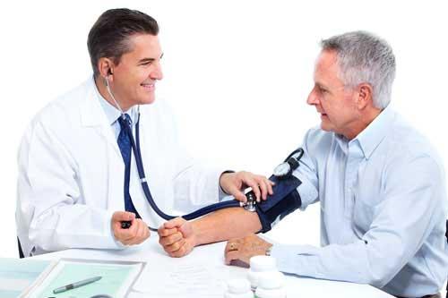 Việc điều trị bệnh cần được bác sĩ chuyên khoa trực tiếp thăm khám và điều trị