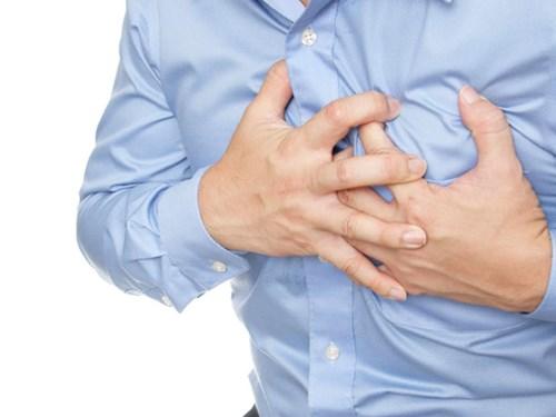 Nhồi máu cơ tim tấn công dân văn phòng