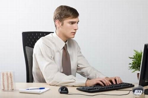 Dân văn phòng có nguy cơ cao mắc nhiều bệnh lý