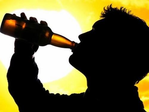 Uống rượu nhiều gây viêm tụy