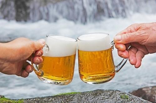 Bia rượu làm tăng nguy cơ mắc bệnh gout