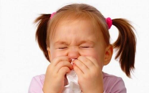 iữ ấm cho cơ thể cũng là một cách giúp bé khỏi sổ mũi