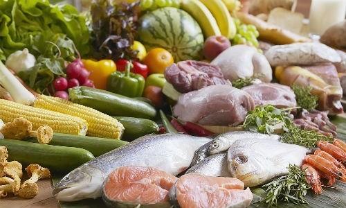 Ăn uống đa dạng để bổ sung đầy đủ chất dinh dưỡng