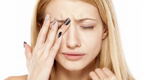 Đau nhức đầu hốc mắt do viêm xoang