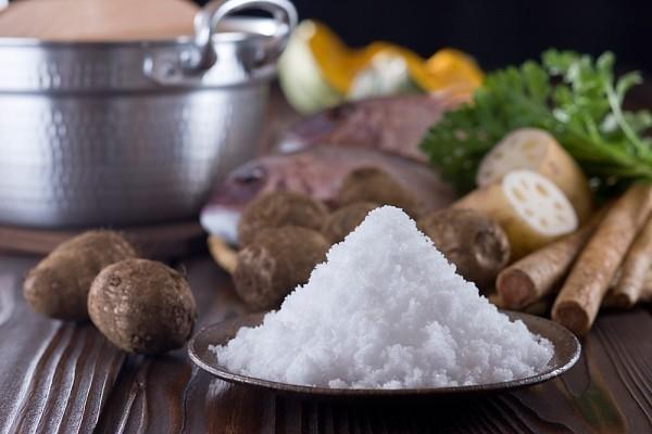 Nếu bạn có thể giảm được lượng muối trong chế độ ăn, nguy cơ mắc bệnh tim mạch sẽ giảm 20%.