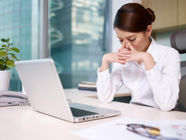 ếu bạn chăm chăm vào màn hình máy tính từ giờ này qua giờ khác có thể sẽ gây ra nhiều vấn đề về thị lực
