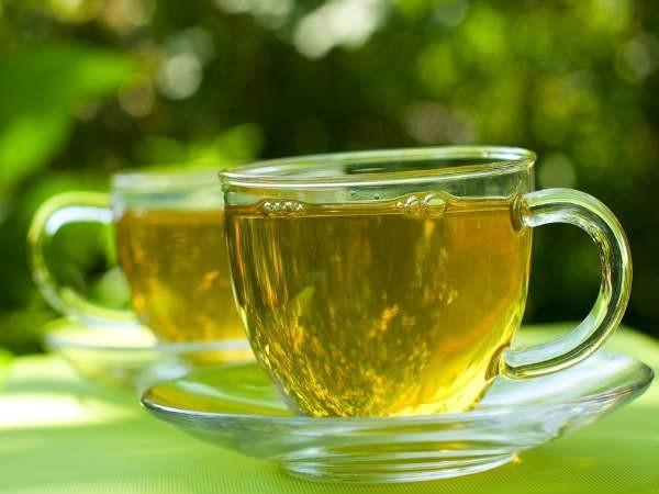 Không nên uống trà khi bị sốt