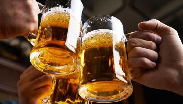 Người suy nhược thần kinh không nên uống rượu bia và các chất kích thích