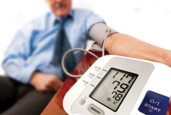 Huyết áp của một người bình thường ở mức 120/ 80mmHg, khi mức huyết áp ở mức trên 140 / 90mmHg, thì bạn có thể có nguy cơ mắc bệnh cao huyết áp.