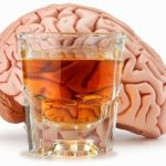 Ung thư, teo não chỉ vì uống nhiều rượu