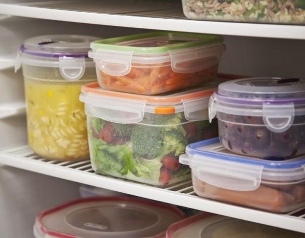 ăn nhiều đồ ăn tính hàn, trái cây ướp lạnh cũng là nguyên nhân khiến dạ dày suy yếu, làm ảnh hưởng đến chức năng tiêu hóa.