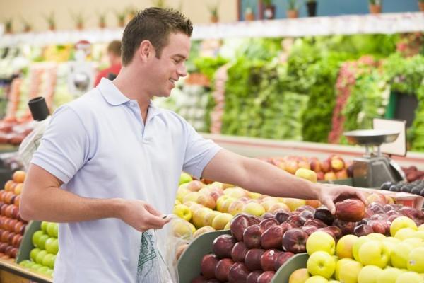 """Thay vì phải uống thuốc bổ để cải thiện sức khỏe tình dục, nam giới hoàn toàn có thể cải thiện """"sức mạnh"""" qua hàng loạt chất dinh dưỡng từ thực phẩm trong bữa ăn hàng ngày."""