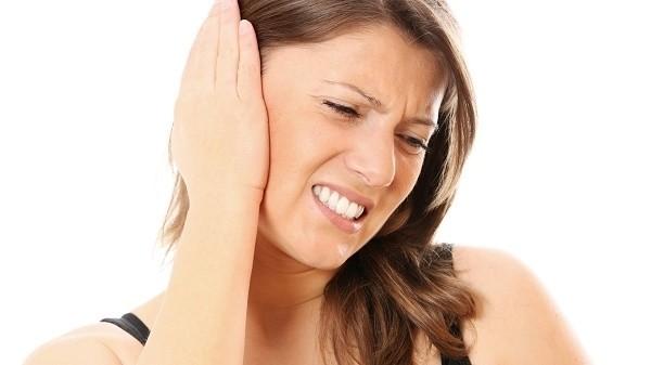 Bệnh ù tai là một trong các bệnh về tai thường gặp ở người lớn và người cao tuổi.