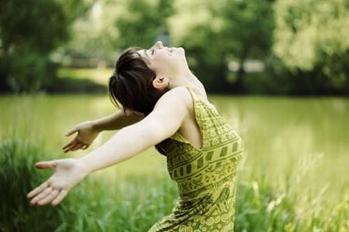Ngủ đủ giấc, thư giãn cho tinh thần thoải mái giúp ngừa đau nửa đầu